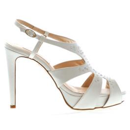 Mireia sandalias de novia con pedrería, blanco roto