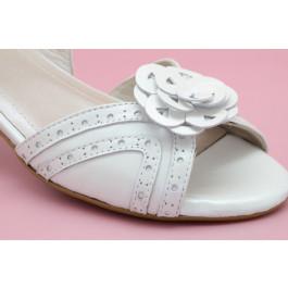 Teresa flor sandalias de novia, blanco roto