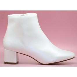 Conchi botín de novia
