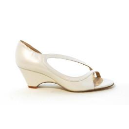 Neus sandalias de novia de cuña: blanco roto