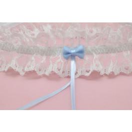 Liga de novia con encaje blanco roto y lacito azul claro