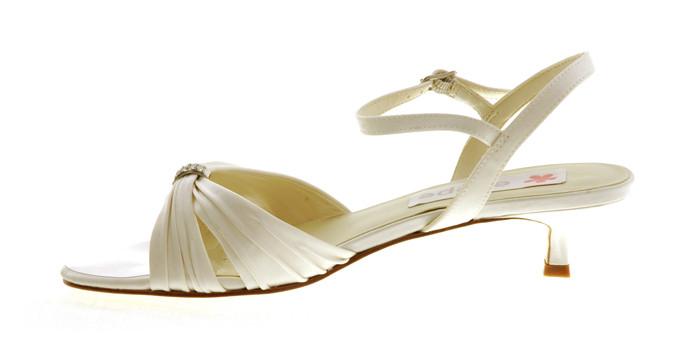 andrea zapatos de novia