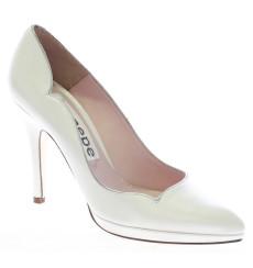 Escarlata zapatos de novia