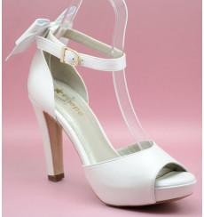 Juno lazo zapatos de novia, blanco roto
