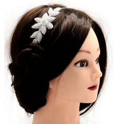 Tiara / diadema bordada con flor