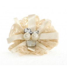 Tocado de novia encaje, lazo de raso, cristales y perlas